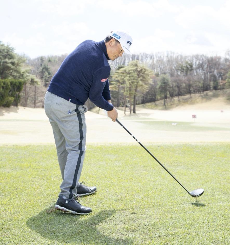 傾 キープ 前 ゴルフ 帽子のツバを右に向けたまま振り抜くと前傾がキープできる/イ・ボミ